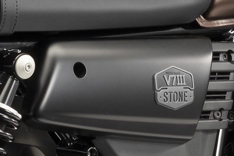 V7 III stone night pack img7